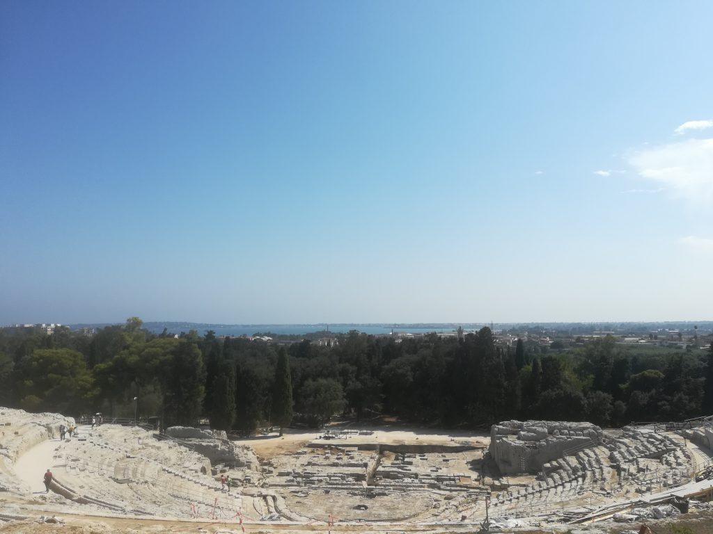 Visite d'un théâtre grec à Syracuse - Voyage en Sicile - italie Ziléo